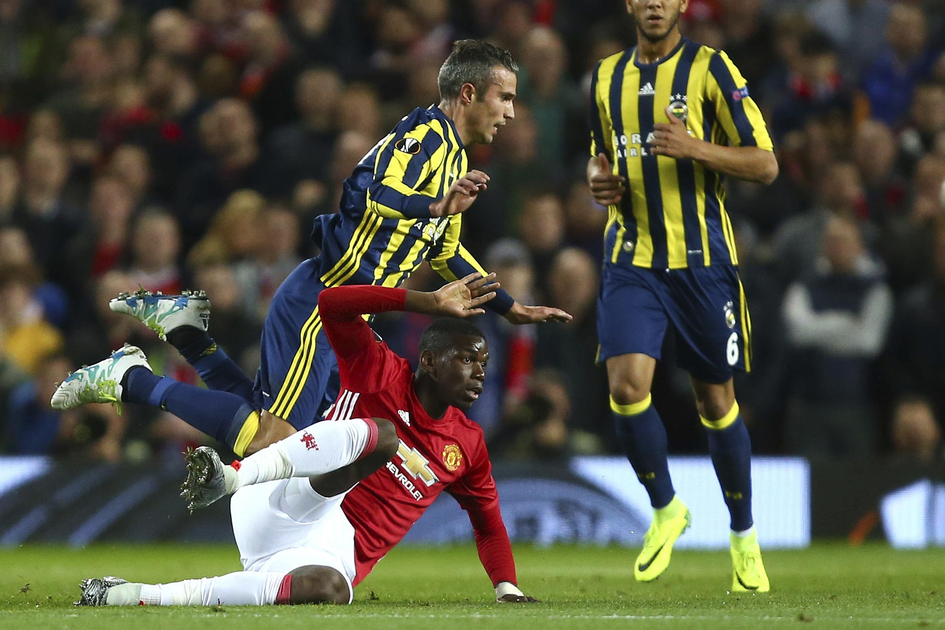 Paul Pogba nets brace as Manchester United romps over Fenerbahce in Europa League