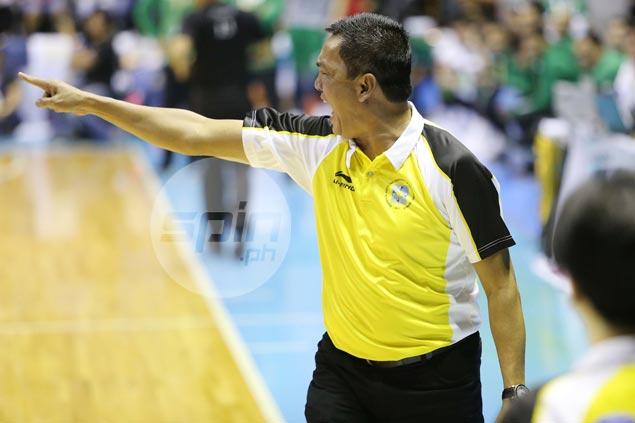 UST coach hits out at referees over glaring miscalls: 'Kilala ko galawan nila dito'