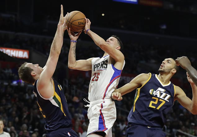 Austin Rivers shines as Clippers down Hayward-less Jazz