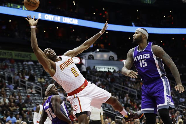 Six Hawks score in double digits as Atlanta holds off Sacramento to stay unscathed in three games