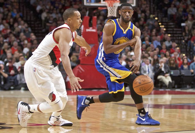 Ian Clark goes perfect from field as Warriors down Blazers for third straight road win