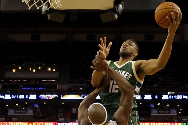 Bucks score narrow victory as winless Pelicans still fail to provide support to Anthony Davis