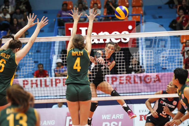 Petron dispatches RC Cola in four sets, grabs solo lead in Super Liga GP