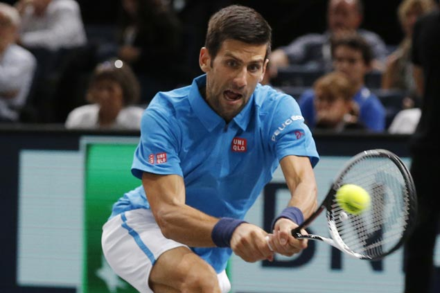 Novak Djokovic limps to Paris Masters quarterfinals to face in-form Marin Cilic