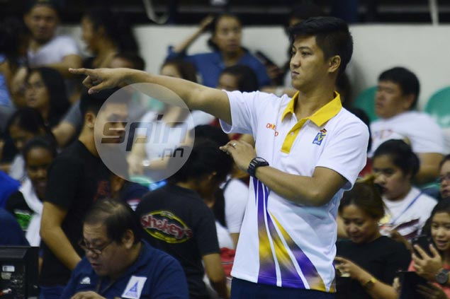 Coach Sherwin Meneses urges players to help Valdez, Kuthaisong as Customs tries to extend semis