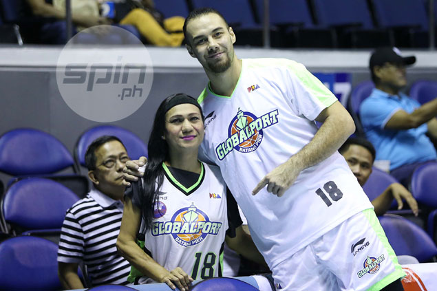 PBA player Doug Kramer, bless his heart, gives back to ailing No. 1 supporter 'Sharon'