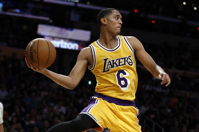 LA Lakers bring back 'Showtime' to stun Warriors, halt Steph Curry's three-point streak