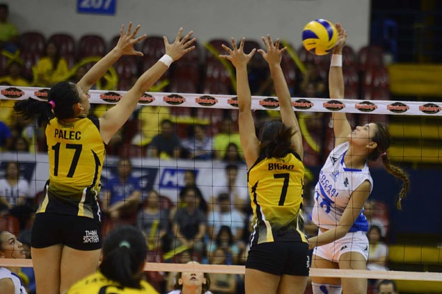 Pocari Sweat takes down UST in three sets to inch closer to V-League Finals return