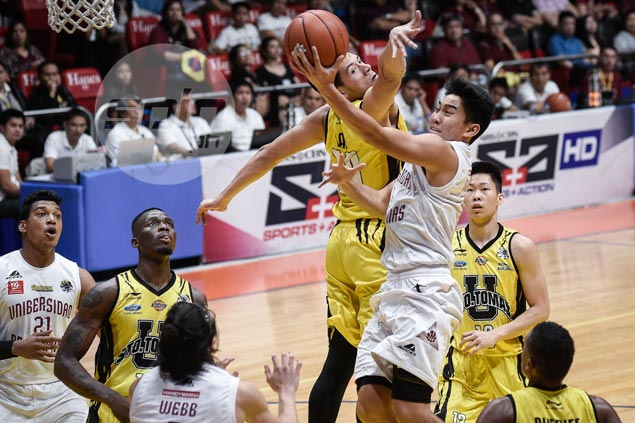 UP Maroons end 19-game losing streak to UST, keep Final Four hopes alive