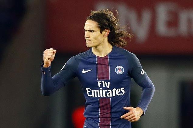Edinson Cavani nets another goal but leaves PSG romp over Rennes with apparent thigh injury