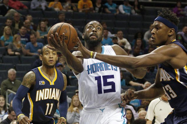 Hornets make it three straight victories with rout of Pacers