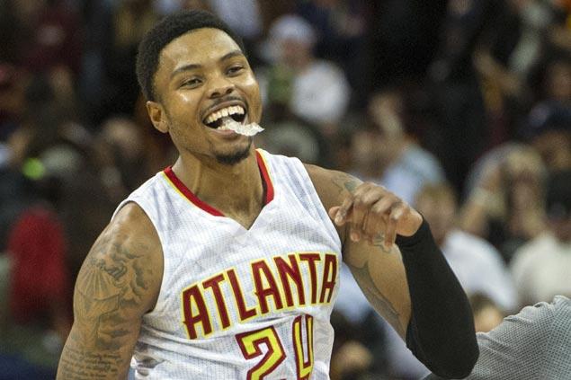 Bazemore sinks dagger as Atlanta Hawks hand Cavaliers first loss of season