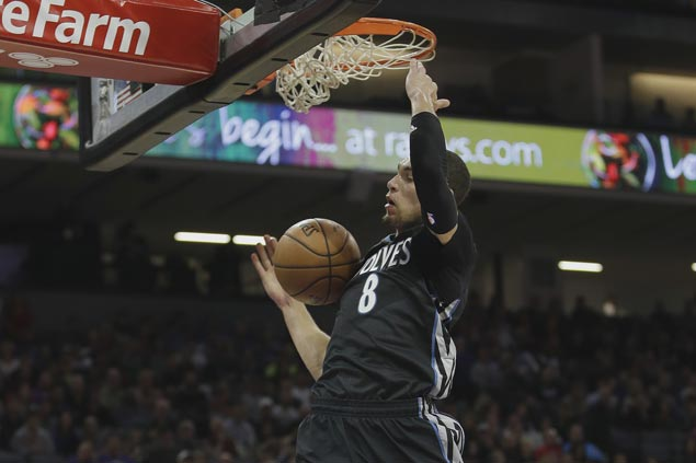 Zach LaVine's season-high 37 points power Wolves to first road win, at expense of Magic