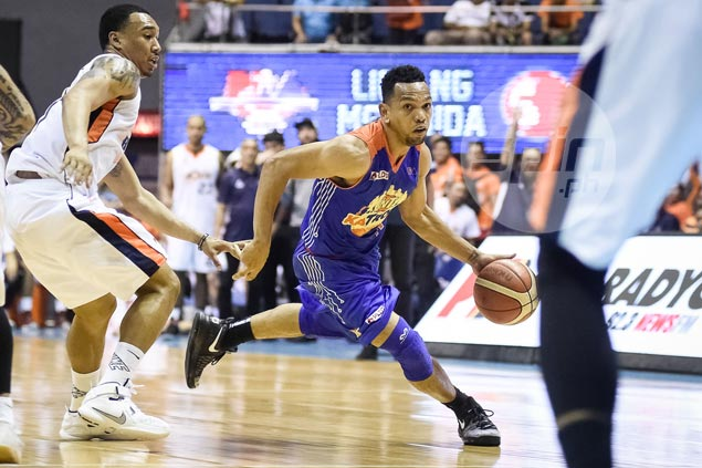 Jayson Castro yet to sign with TNT as he considers multi-million China offer