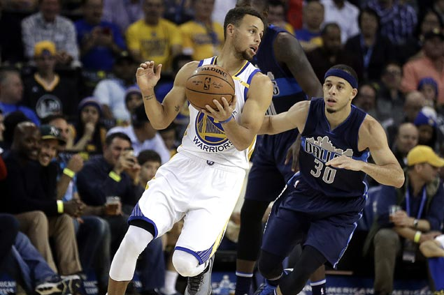Warriors ride scorching start to rout Mavs in Harrison Barnes' return to Golden State