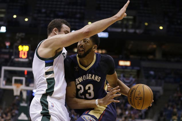Pelicans finally score first win of season, at expense of Bucks