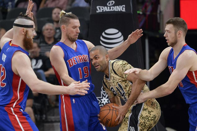 Spurs use balanced offense to end home skid at three with win over slumping Pistons