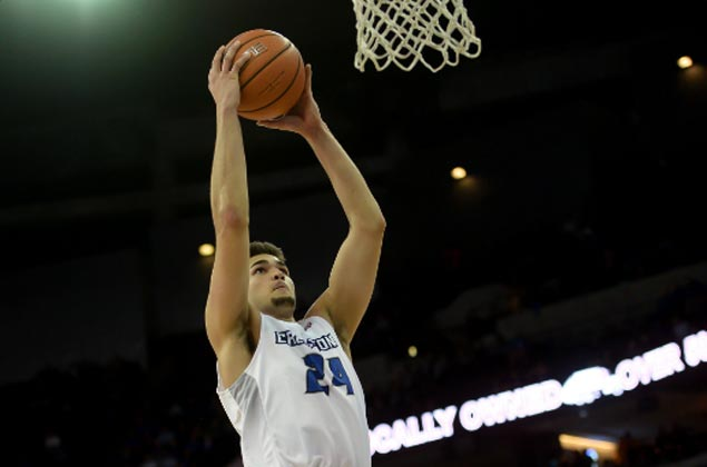 Creighton clobbers Longwood to make it 10 games unbeaten as Kobe Paras grabs share of limelight