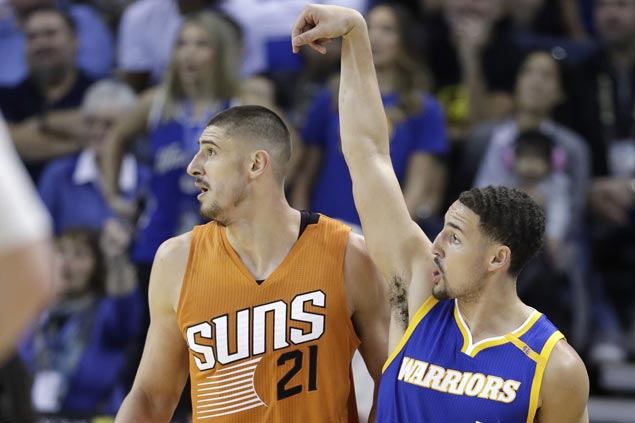Klay Thompson hits clutch treys on the way to season-high 30 as Warriors rally to beat Suns