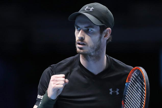 Andy Murray wins in his debut as the world's top-ranked player
