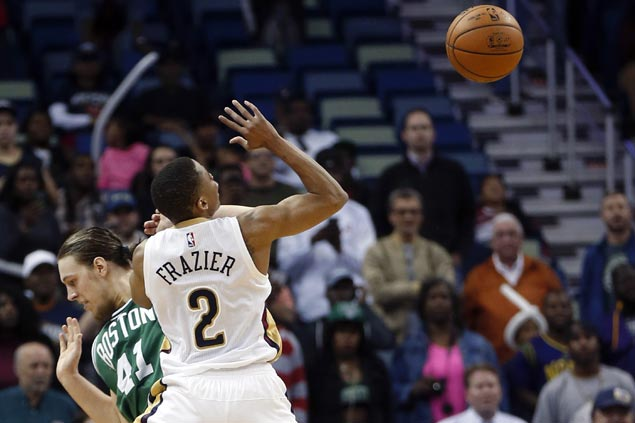 Pelicans squander double-digit lead but hold on to beat Celtics