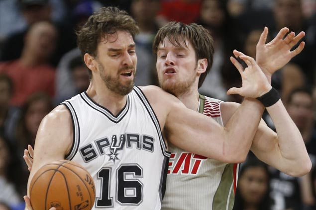 Spurs survive furious Heat rally to extend win run to three and send Miami to fifth straight loss