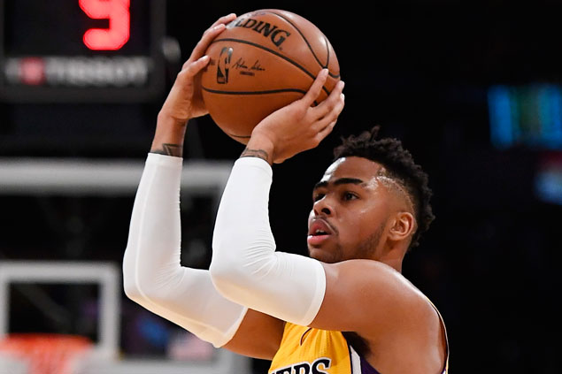 D'Angelo Russell sinks seven treys, Julius Randle posts triple-double as Lakers rip Nets