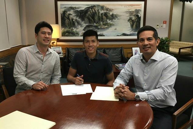 Daquioag's two-year Meralco deal, Chris Javier contract with Star among last-minute signings
