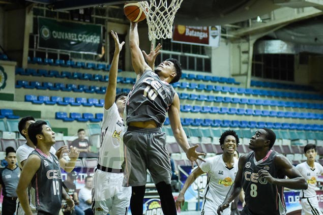 CEU extends unbeaten run to 10 games, secures top seeding in UCBL semis by beating TIP