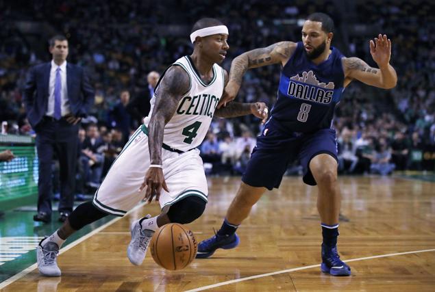 Celtics ride Isaiah Thomas hot streak in the fourth quarter to rally past depleted Mavericks