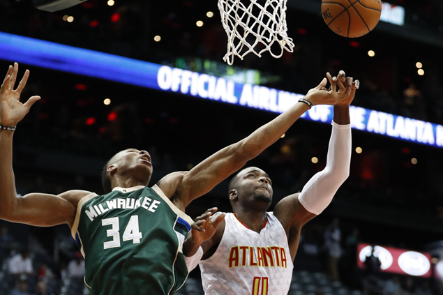 Hawks fend off late Bucks rally to nab sixth straight win, grab share of East lead with Cavs
