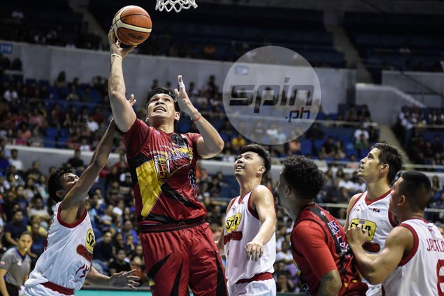 New season, same story as San Miguel frustrates Star with fiery finishing kick