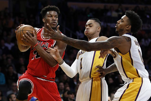 Jimmy Butler drops season-high 40 as Wade-less Bulls too strong for Lakers