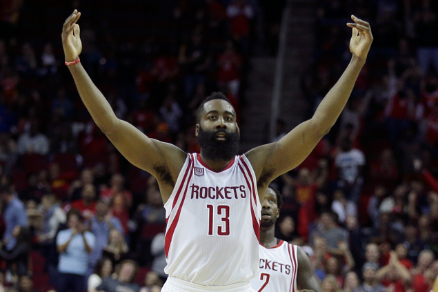 Harden flirts with triple-double as Rockets beat skidding Pistons