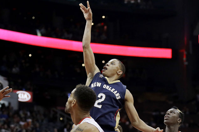 Frazier, Jones take charge after Anthony Davis bruises knee as Pelicans send Hawks to third straight loss