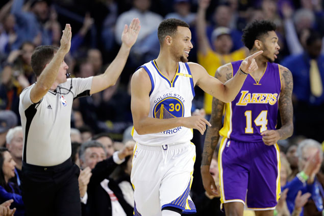Steph Curry shows way as vengeful Warriors deal Lakers 43-point hammering