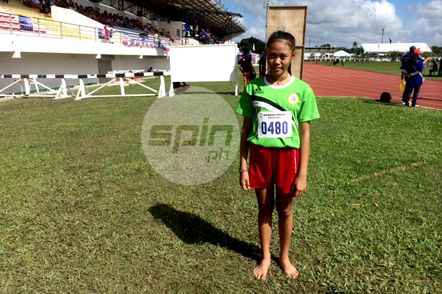 Barefooted runner Princess Penaranda catches attention of well-meaning athletes