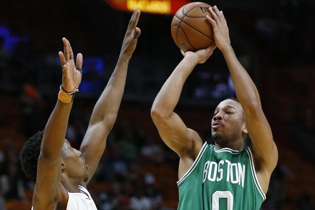 Isaiah Thomas, Avery Bradley star as Celtics overcome second-half Heat rally