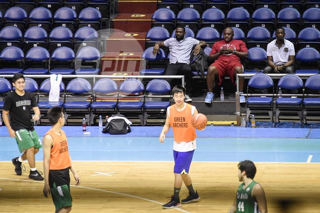 BrightAkhuetie fuels speculations of move after showing up in La Salle practice