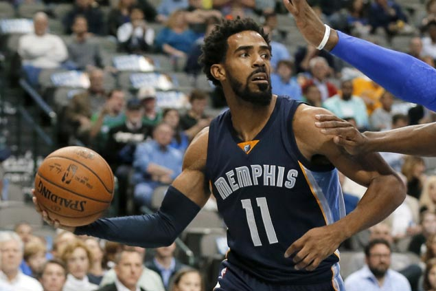 Grizzlies guard Mike Conley to miss at least six weeks due to fractures on his lower back