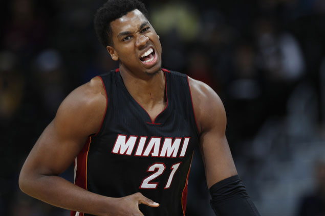 Hassan Whiteside posts double-double, records 600th career block as Heat repeat over Bucks