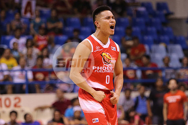 Phoenix guard Simon Enciso shows he can do more than just shoot the ball