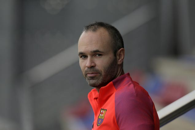 Andres Iniesta key to help end Barcelona's struggles in time for El Clasico