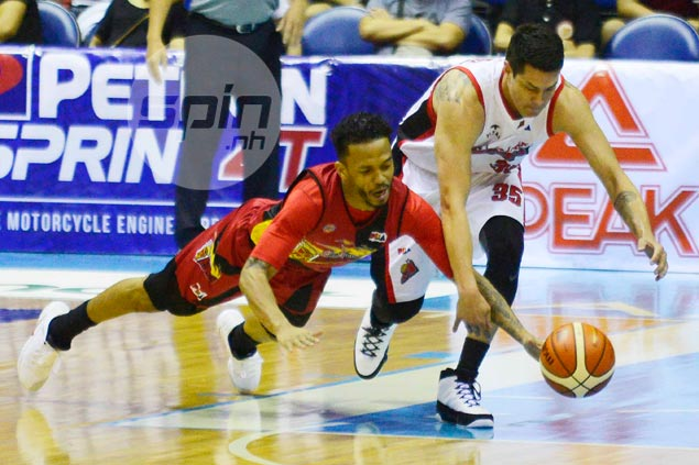 San Miguel leans on big finishing kick to hold off undermanned but gritty Alaska
