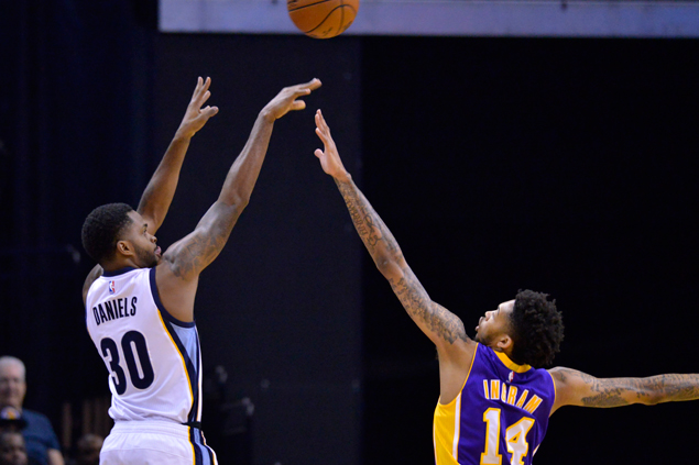 Injury-depleted Grizzlies down Lakers and spoil Lou Williams' 40-point night