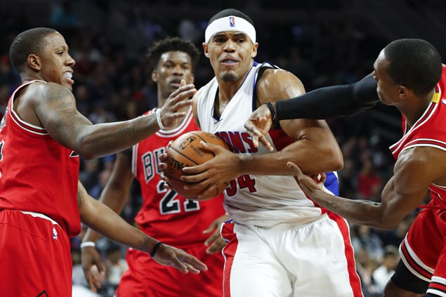 Pistons waste huge early lead and rally late to defeat Bulls