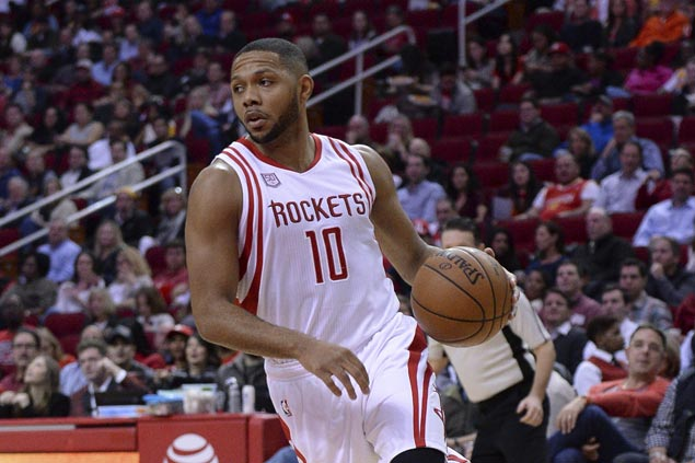 Eric Gordon wins Sixth Man of the Year award in first year as a reserve player