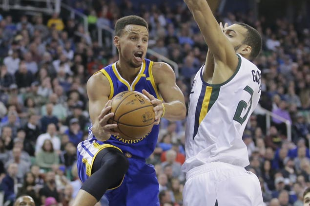 Curry waxes hot early, Durant takes over late as Warriors survive gritty stand from depleted Jazz