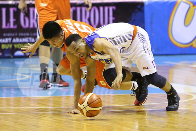 Starstruck rookie Ed Daquioag proves he belongs with long-time idol Jayson Castro