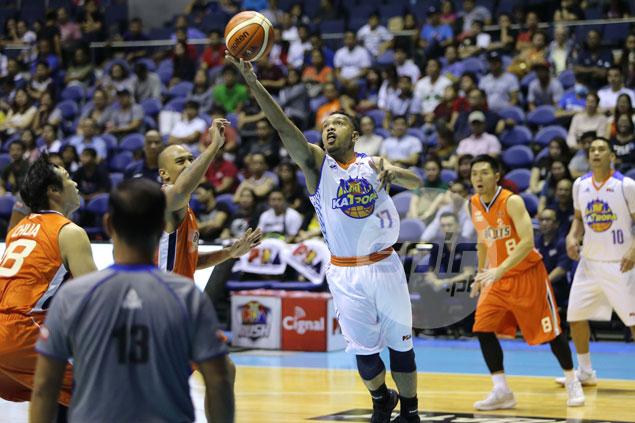 Ed Daquiaog earns Jayson Castro praise, says Meralco rookie has great basketball IQ